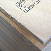 Contreplaqué Stratiplis B/BB 250*153*4mm